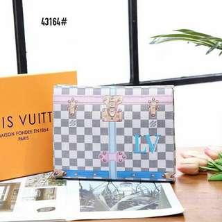 LV Louis Vuitton Pochette Voyage Handbag