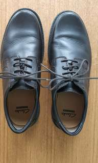 Clarks shoe derby leather made in india (value 1k)