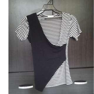設計風黑白條紋上衣 二手衣 女生上衣 短袖上衣  衣服日系 (不面交/議價/換物/退換/平信