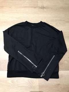 Black top with zipper sleeves