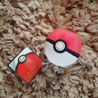 NINTENDO Pokemon Center 2015 Pokeball plush keychain
