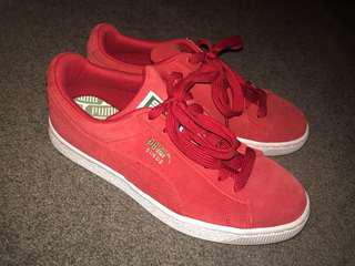 Puma Suede Shoes / Size 7 Womens