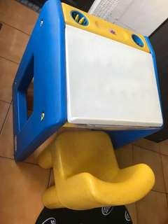 🚚 兒童桌椅