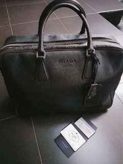 SALE! Preloved Vintage Prada Messenger Bag, good condition. 100% original certified