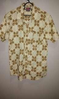 Kemeja batik Quiksilver original size M besar