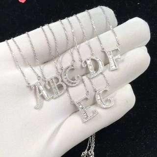 18K鑽石字母頸鍊
