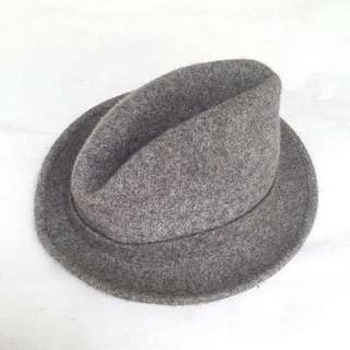 Stradivarius- Grey Fedora Hat