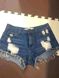 🚚 微高腰牛仔短褲