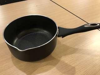 Pot / sauce pan