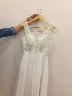 Long tail bridal gown