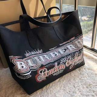 BURBERRY REVERSIBLE TOTE