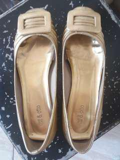 Sale my preloved, flat shoes warna Gold