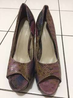 High heels pump snakeskin