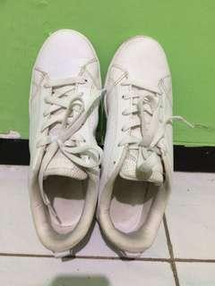 Adidas Neo White 39 1/3