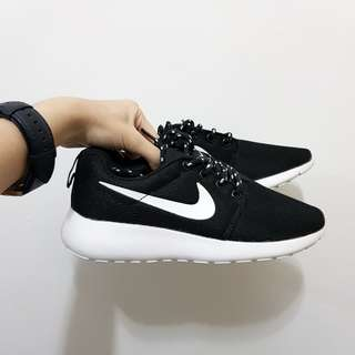 FREE POSTAGE Nike Roshe Run Inspired Sneakers
