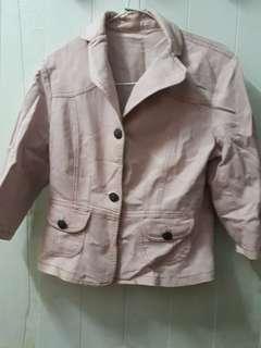 粉紅西裝外套