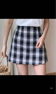 🚚 黑白格紋A字裙