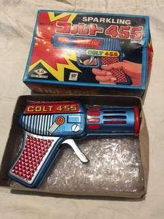 懷舊70's鐵皮玩具閃槍 /Made in Japan