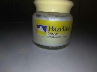 Hazeline snow moisturising (kuning)