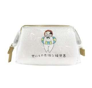 日本直送-日本品牌不思議貓世界化妝收納包 世にも不思議な猫世界 ビニールポーチ 猫野市民プール