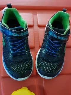 Sepatu Skechers sz 29