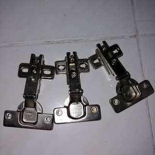 Giving away: 3 new Hinges
