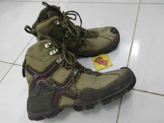 COLUMBIA HIKING BOOTS OMNI-HEAT size 38