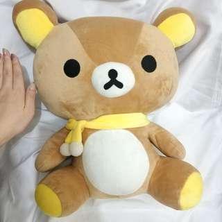 鬆弛熊公仔 黃色頸巾