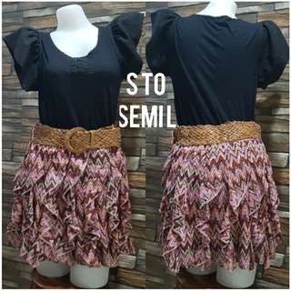 Skirt with belt included