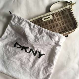 AUTHENTIC DKNY Clutch