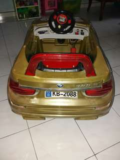 Car Toy BMW 7 SERIES GOLD