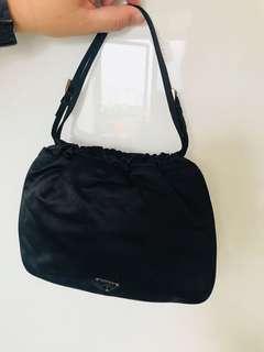 Prada 袋 (正貨,滑面質地,九成新)