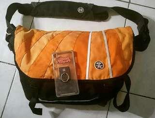 Crumpler Barney Rustle Blanket laptop messenger bag