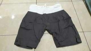 Celana pendek hamil