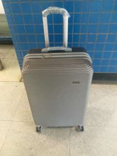 Luggage / Trolley case - 28""