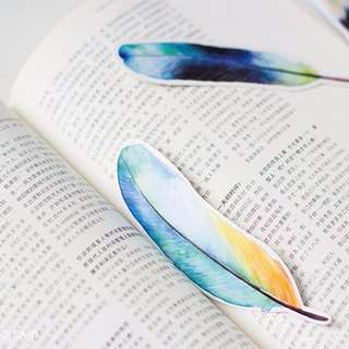 🌈BN INSTOCK Colorful Gradient Feather Bookmarks