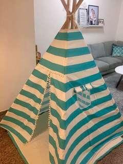 Kids play tent teepee