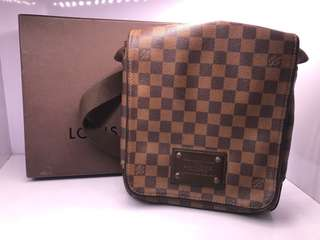 louis vuitton mens brooklyn bag