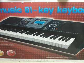 Electronic Keyboard (REDUCED PRICE)