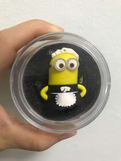 32GB thumbdrive - Minion in maid attire