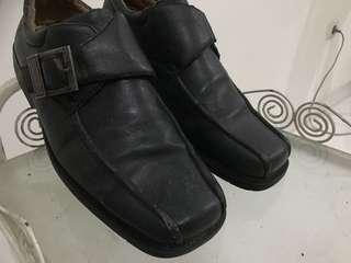 Pantofel pria uk 41