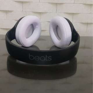 Beats By Dre Studio Wireless 2.0 Matte Black and White