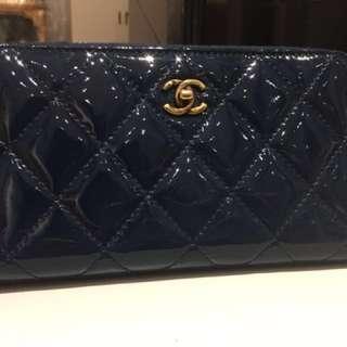 Chanel 墨藍色 ㄇ字拉鍊皮夾