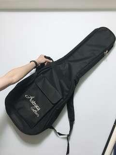 🚚 吉他背袋