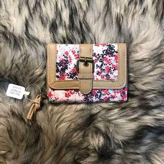 Claire's Floral Wallet