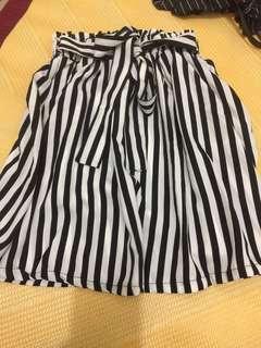 🚚 直條紋短裙