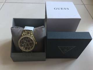 Guess leopard strap watch (authentic)