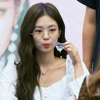 Blackpink Jennie Kim golden round spec ulzzang retro spec