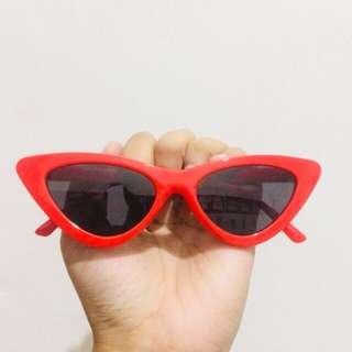 Semi Triangular Sunglasses Red