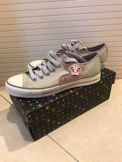 🚚 Playboy灰色帆布鞋